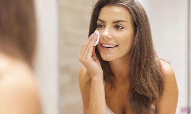 10 Façons de paraître plus jeune selon les dermatologues sans utiliser de produits