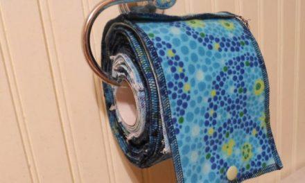De plus en plus de personnes remplacent le papier toilette par un «chiffon familial» réutilisable