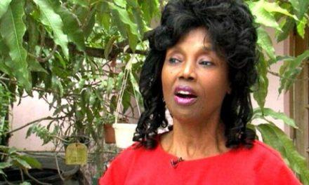 Cette femme de 70 ans (qui a l'air d'en avoir 30) partage enfin son secret