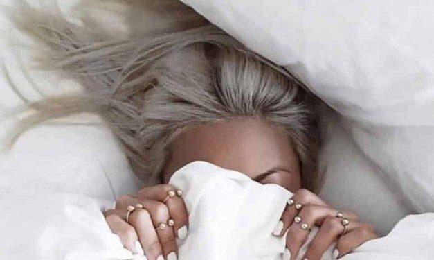 6 erreurs que vous faites lorsque vous dormez et qui détruisent vos cheveux