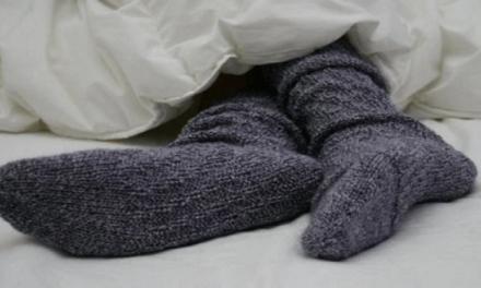 Ce qui arrive quand vous mettez vos chaussettes au lit !