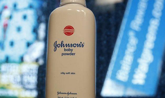 Johnson & Johnson condamné à payer 4.7 milliards de dollars de dommages et intérêts à des femmes qui se plaignent que le talc est à l'origine de leur cancer